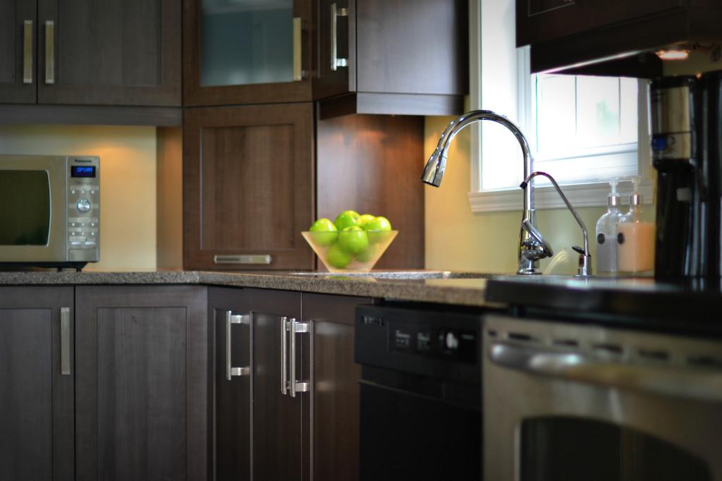 mat riaux armoires et comptoirs de cuisine cuisine despro. Black Bedroom Furniture Sets. Home Design Ideas