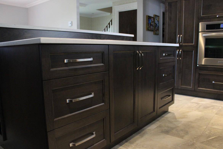 Armoires de cuisine en bois d 39 rable cuisines despro Cuisine classique en bois massif